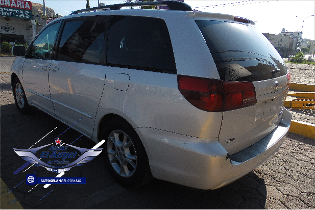 Toyota Sienna Xle At full